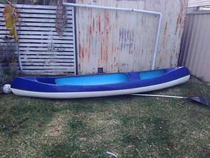 4m Fibreglass Canoe