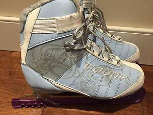 Bauer Ladies Ice Skates size 10