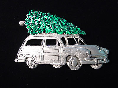 Jj  Jonette Jewelry Silver Pewter Old Woody With Christmas Tree Pin