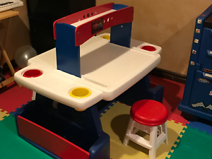 Step2 Kids Craft Table & Two Stools