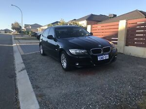 2009 BMW 320i ONLY 80k KMS IMMACULATE *ACCEPTING ANY REASONABLE OFFER*