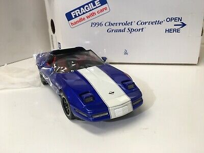 1996 Corvette grand sport 1/24 scale Diecast model car by Danbury mint