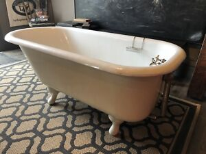 Beautiful cast iron claw foot tub