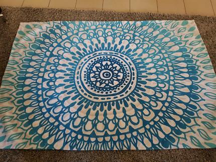 Unique design teal/blue Rug