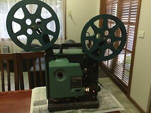 Bell & Howell 1692 filmosound TQ3 Projector Roxburgh Park Hume Area Preview