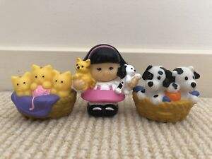 Fisher Price Little People Kitten and Puppy Character Set