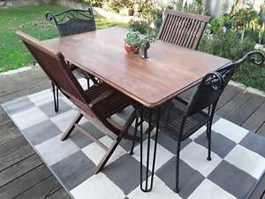 5 piece alfresco setting available