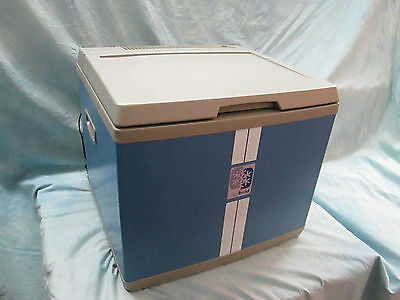Mobicool B40 Hybrid Thermoelektrik-/Kompressorkühlbox  12V / 230V