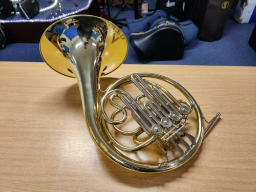 Besson BE701 Half-Double French Horn in Bb/F (used instrument, fully serviced)