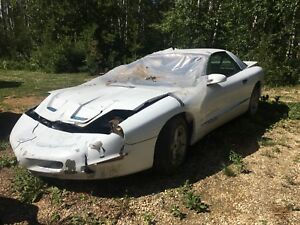 96 Firebird - new motor 7000km on it, selling as parts car