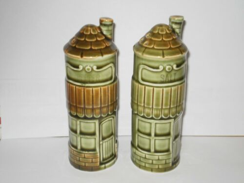VINTAGE DUTCH HOUSES SALT N PEPPER SHAKERS  1960