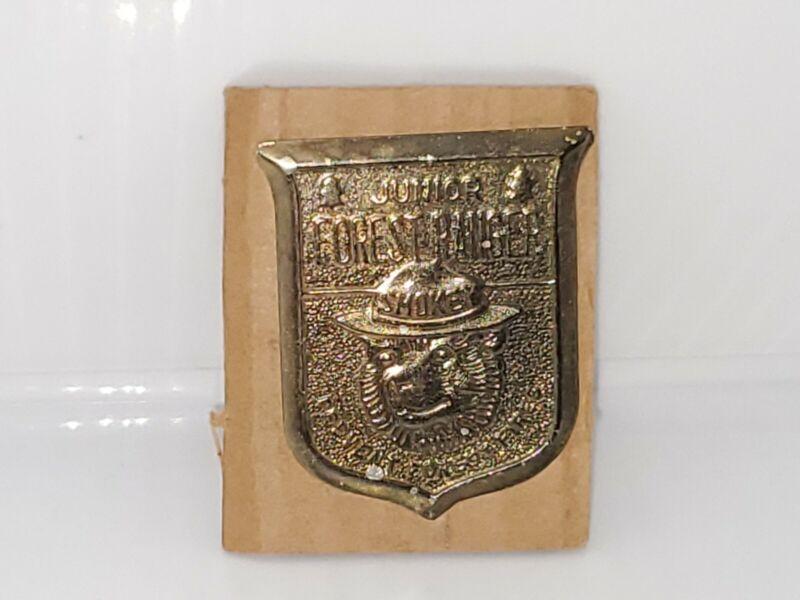 Vtg Smokey The Bear Junior Forest Ranger Prevent Forest Fires Tin Badge Pin. NEW