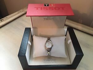 BRAND NEW TISSOT WOMENS WATCH