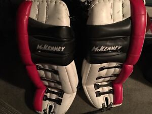 """Men's McKenney goalie pads - 32"""" traditional style"""