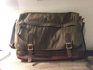 Fossil Messenger Bag - Hardly Used