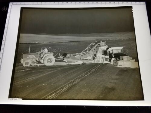ACAAK Allis-Chalmers 8 x 10 NEGATIVE, MEDIA PROMOTION ARCHIVE 190 in the FIELD