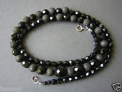 Interessante Kette mit facettierten Onyx Kugeln und Lava Perlen 40,1 g / 62,5 cm