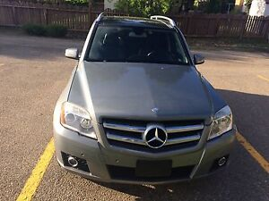 Glk350  excellent condition to go
