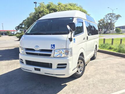 2007 Toyota Hiace Welcab 8 Seater With WheelChair Lift