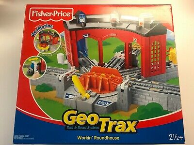 Fisher Price GeoTrax Workin' Roundhouse Train Roundabout Turntable Tracks Set