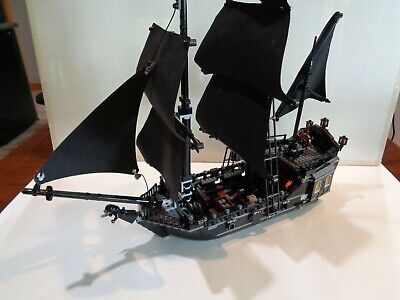 Lego Pirates of the Caribbean 4184 The Black Pearl - ship 99% - no minifigs