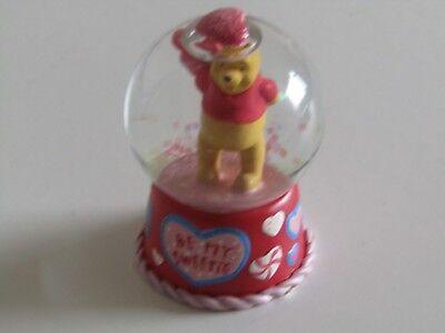 Disney Stores Winnie the Pooh BE MY SWEETIE Love heart Tiny SNOWGLOBE snow globe