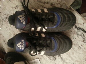 Gently used Adidas soccer cleats size mens 5 1/2