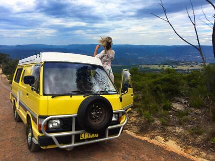 1986 Toyota Hiace - Poptop, solar power, ready to road trip