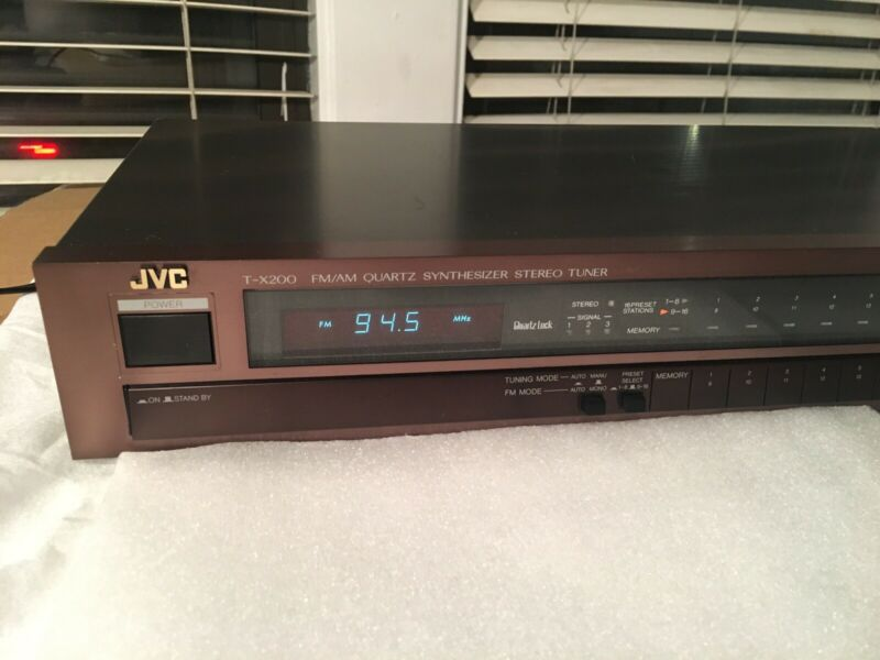 JVC T-X200B Fm/AM Quartz Synthesizer Stereo Tuner Made In Japan Amazing Quality