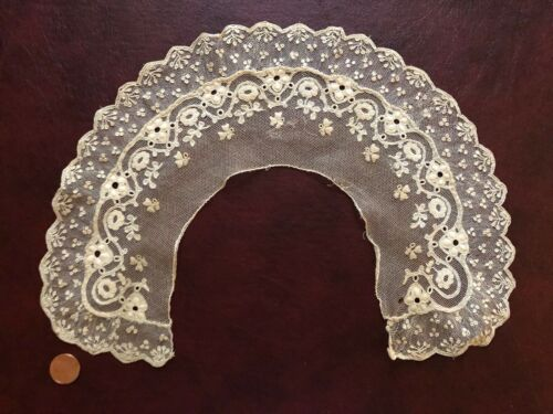 Unusual 19th century round collar  Alencon needle lace and embroidered cutwork