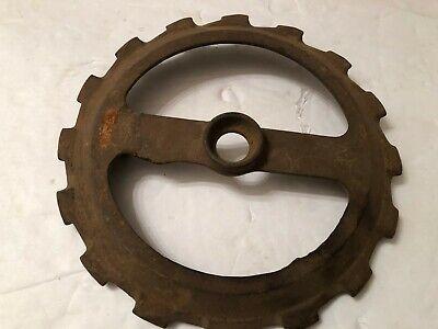 1 Used Y2639 Steel Cast Iron John Deere Planter Bean Seed Plate Y 2639