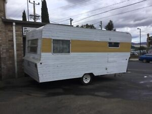 Caravan with Rear Double and Front Bunks Derwent Park Glenorchy Area Preview