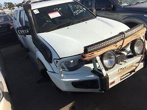 Wrecking 2015 Mitsubishi Triton Ute white Salisbury Brisbane South West Preview