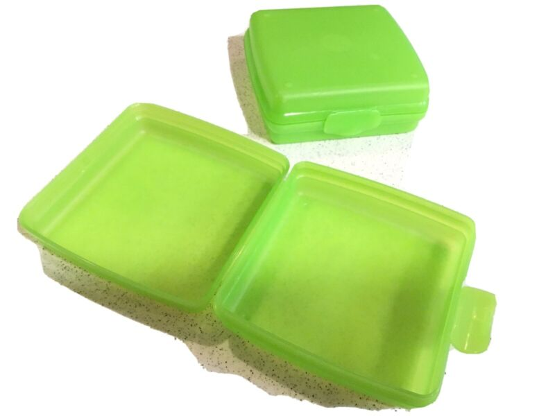 *EUC* 2 Tupperware Light Green Sandwich Keepers - Square Lunch Containers