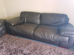 2 and 3 seater lounge Pimpama Gold Coast North Preview