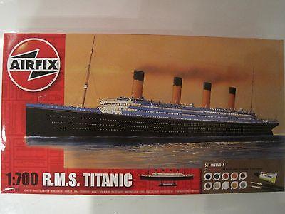R.M.S. Titanic 38,5cm 1:700 *NEU* Airfix mit Farben Pinsel Klebstoff