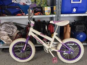 Girls 14 inch bike like new