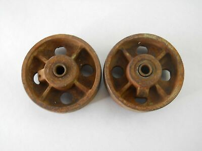 Set Of 2 Cast Iron Wheels 4 Diameter X 1 12 W. Axle Dia. 1532 X 2 Used