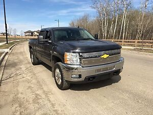 2011 LTZ SILVERADO 3500(6.0L)/MINT SHORT BOX truck