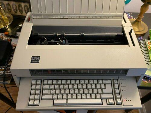Vintage IBM Wheelwriter 6 Typewriter Electric used