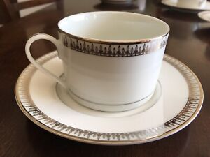 Flat Cup and Saucer Sets