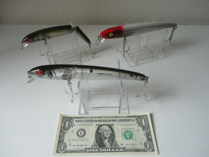 3 Good Looking Unbranded Fishing Lures With Treble Hooks- Lot #1