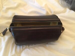 "Bosca's  Old Leather 10"" Zipper Utility Kit"