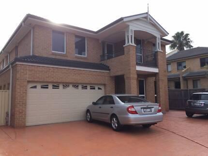 Large room in Parramatta $180 PW
