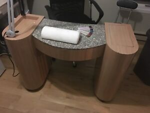 Table pour pose d'ongle