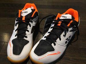 Yonex Power Cushion 55 shoes