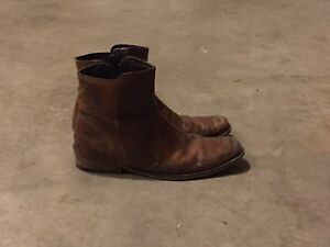 Leather boots . Size9.5
