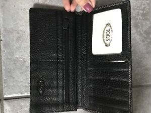 Tods leather zipperless wallet