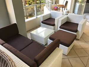 White outdoor setting Wollstonecraft North Sydney Area Preview