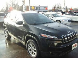 2014 JEEP CHEROKEE NORTH- PANORAMIC SUNROOF, REAR VIEW CAMERA, R